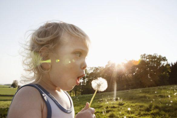 Kind und Blume