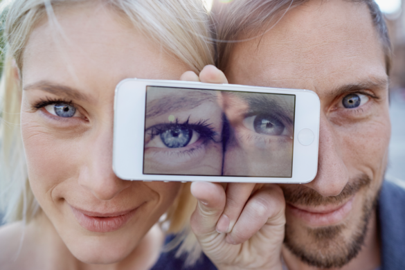 Mann Frau Augen Handy