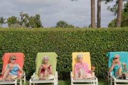 Alte Frauen Liegestuhl