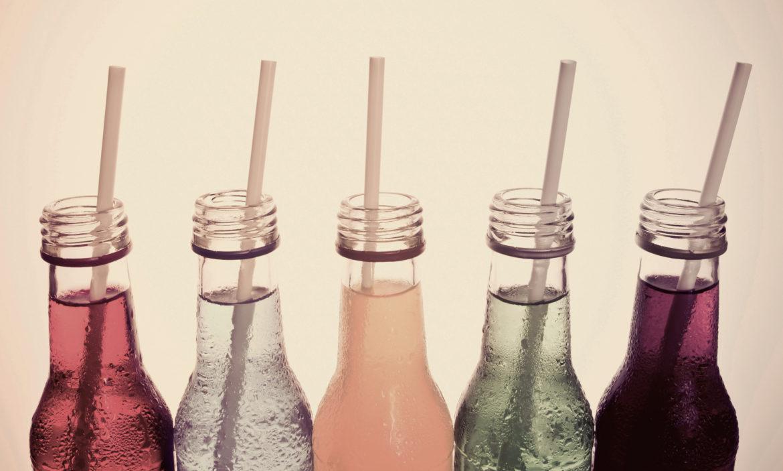 Flaschen Strohhalm farbig Getränke