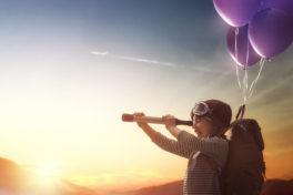 Kind Fernrohr Ballone