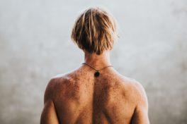 Rücken eines Mannes