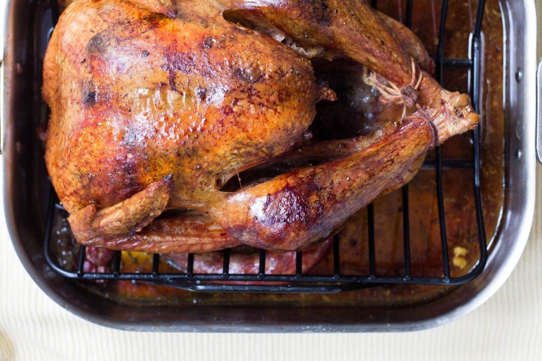 Brathähnchen auf Grillrost, Truthahn, Huhn