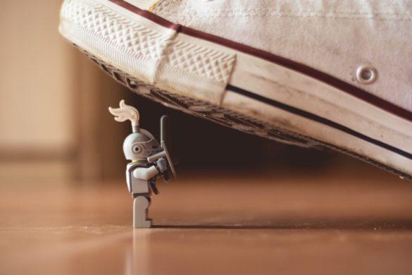 Schuh und Spielzeug Ritter