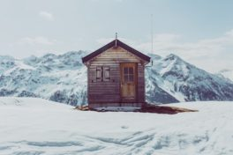 Hütte im Gebirge