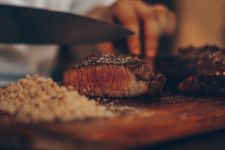 Fleisch und Messer