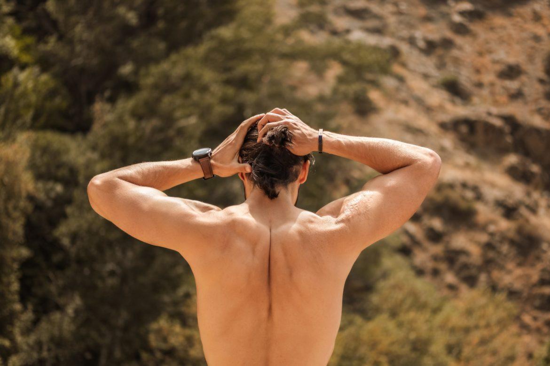 Mann Oberkörper Rücken