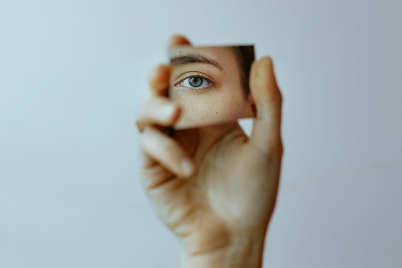 Hand Spiegel Gesicht