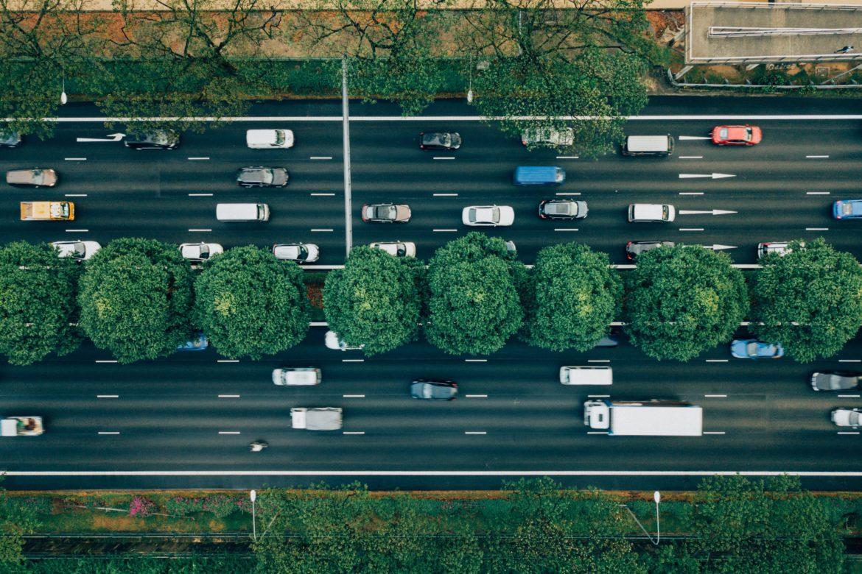 Strasse mit Autos